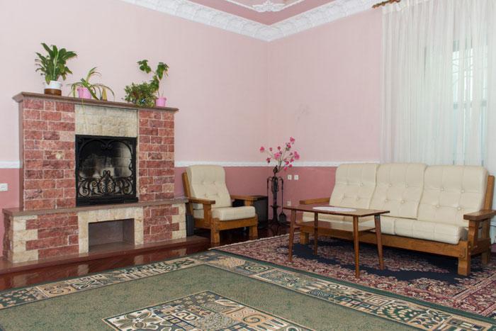 Холл дома престарелых «Милый дом»