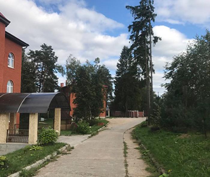 Территория пансионата для пожилых и инвалидов «Жуково»