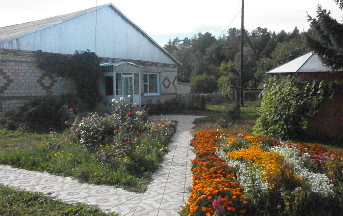 Территория дома интерната