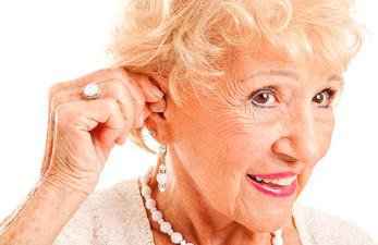 Слуховые аппарат для пожилых: как выбрать?