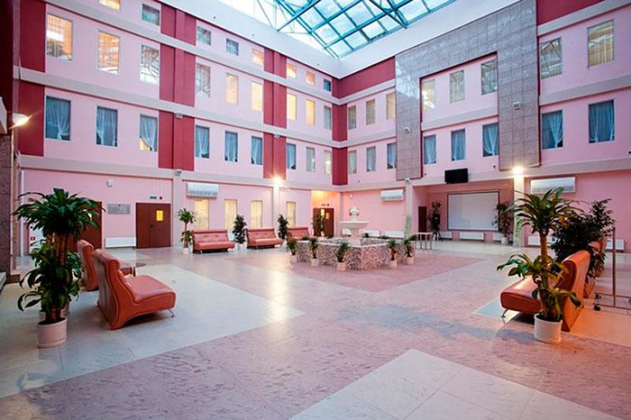 Холл Центра социальной реабилитации инвалидов (Невского района)