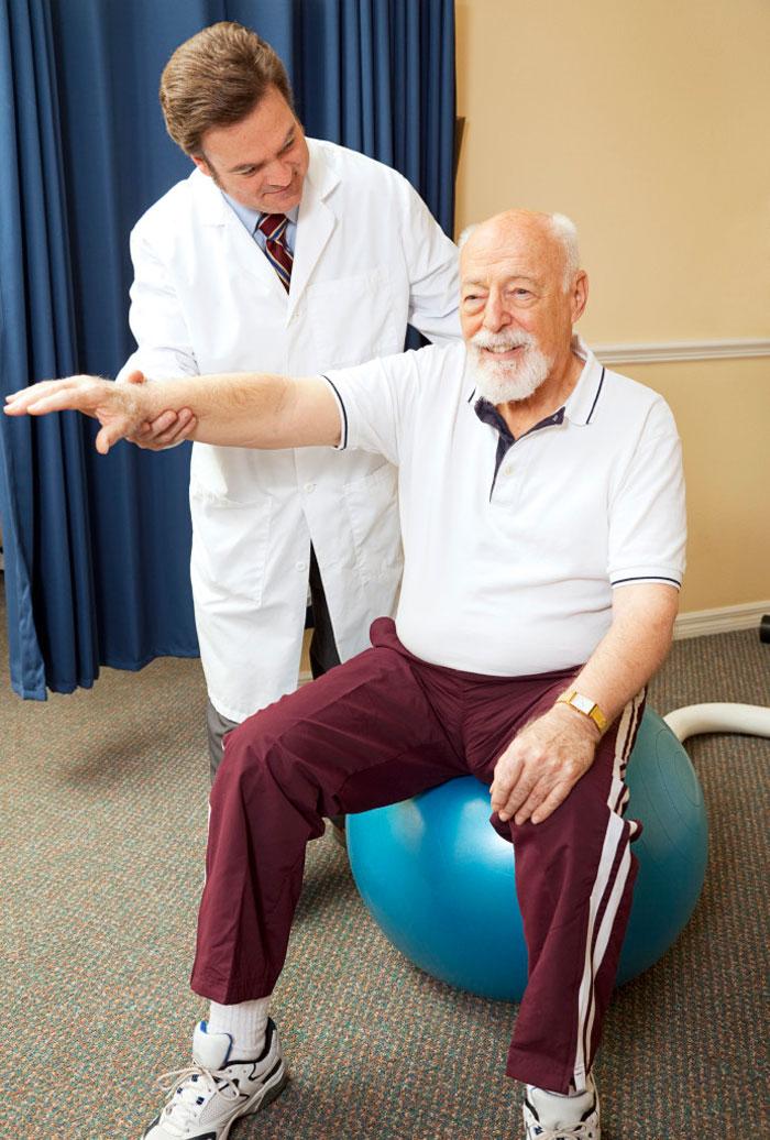 Упражнения после инсульта для рук