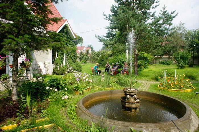 Территория пансионата для престарелых «Приютино»