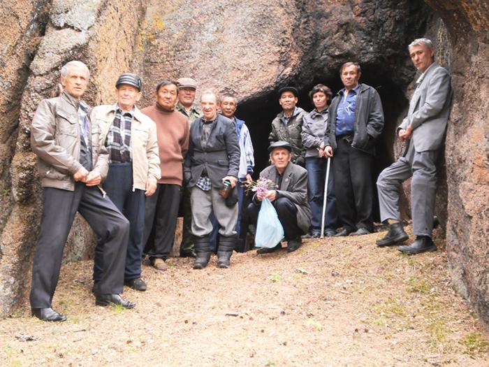 """Посещение постояльцами природного памятника """"Пещера"""""""