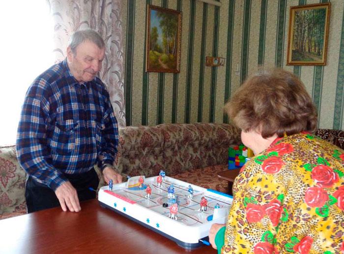 Настольные игры в Мошенском доме-интернате для престарелых и инвалидов