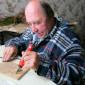 Выжигание как досуг жильцов Мошенского дома-интерната для престарелых и инвалидов