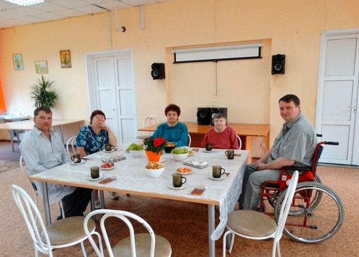 Чаепитие постояльцев Норского геронтопсихиатрического центра
