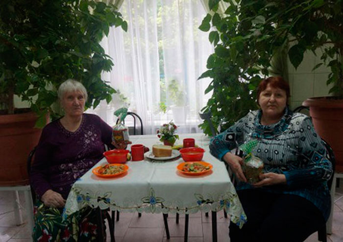 Чаепитие жильцов Новочеркасского дома-интерната для престарелых и инвалидов