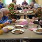 Обед постояльцев Новодугинского специального дома для престарелых и инвалидов
