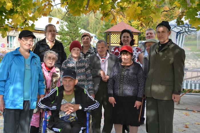 Жильцы Октябрьского дома-интерната для престарелых и инвалидов
