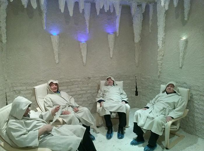 Соляная пещера - комната отдыха