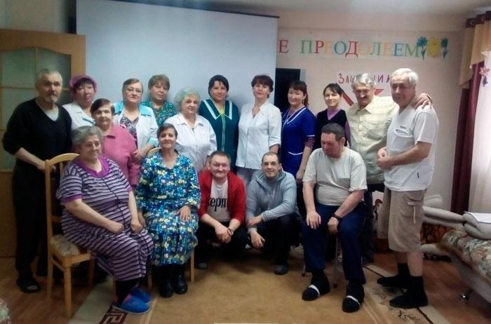 Жильцы Усинского дома-интерната для престарелых и инвалидов