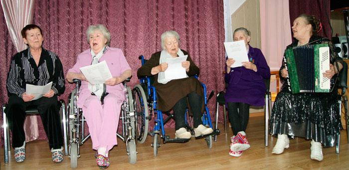 Творчество постояльцев дома-интерната для престарелых и инвалидов «Уют»