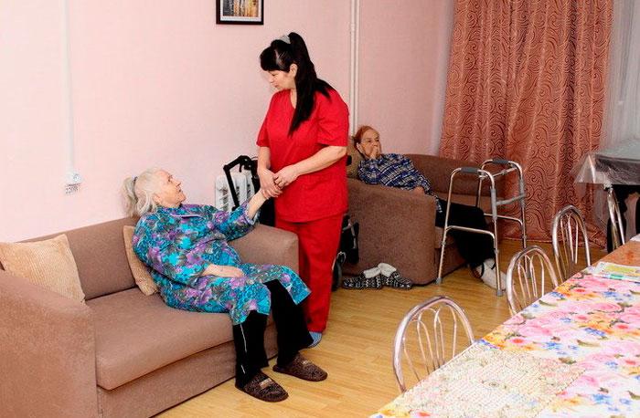 Персонал хосписа «Долголетие» в Белозерках