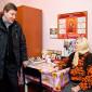 Постояльцы Новосельского дома-интерната для престарелых и инвалидов