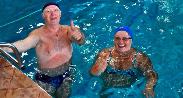Оздоровительное плавание для пожилых людей