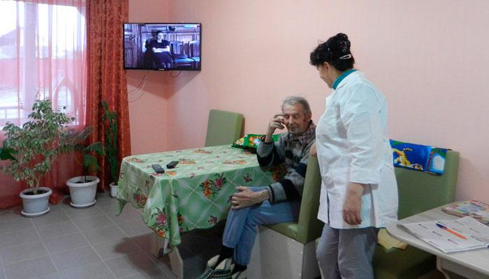 Персонал пансионата для пожилых «Уютный дом»