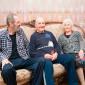 Жильцы дома престарелых «Теплые вечера»