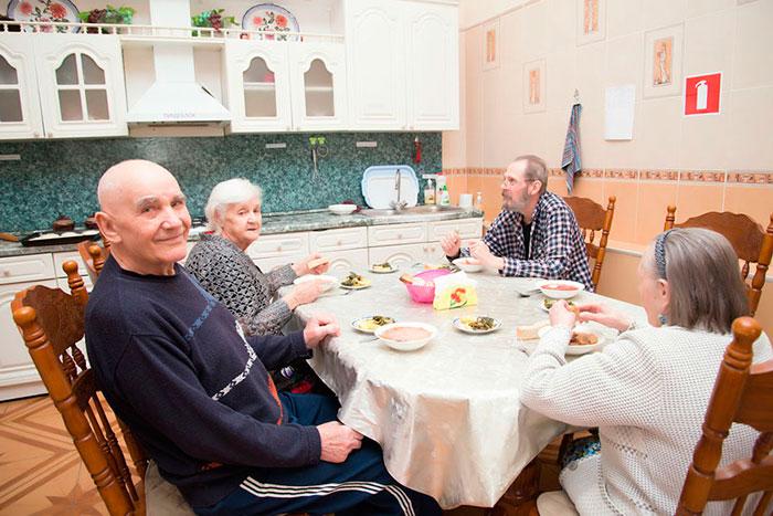 Столовая дома престарелых «Теплые вечера»