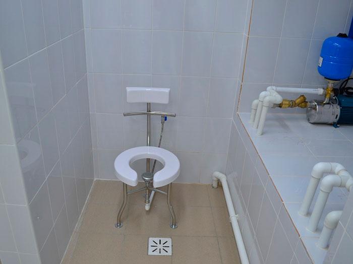 Комната оборудованная восходящим душем