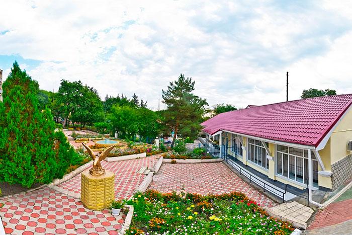 Территория санатория «Долина Нарзанов» (Железноводск)