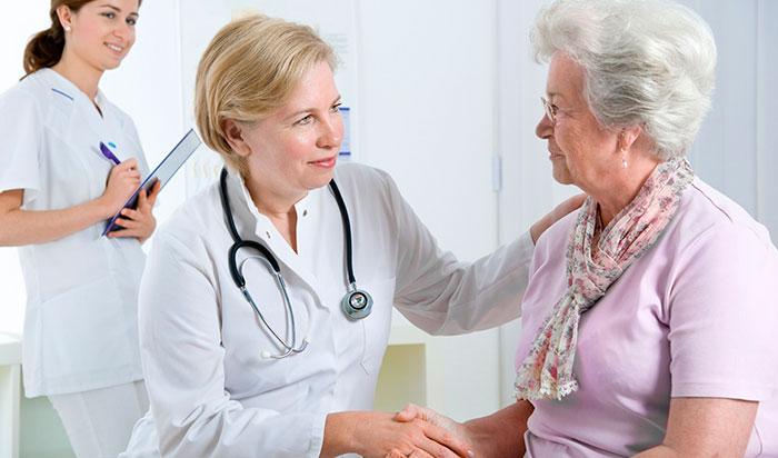 Консультация с врачом перед денситометрией