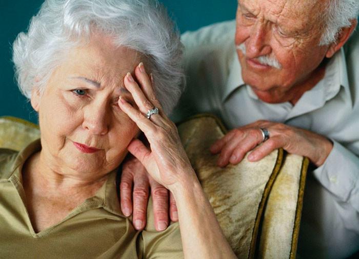 Лечение запора у пожилых - популярные способы