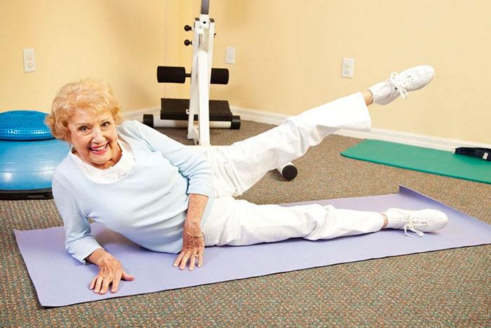 ЛФК при запорах в старческом возрасте