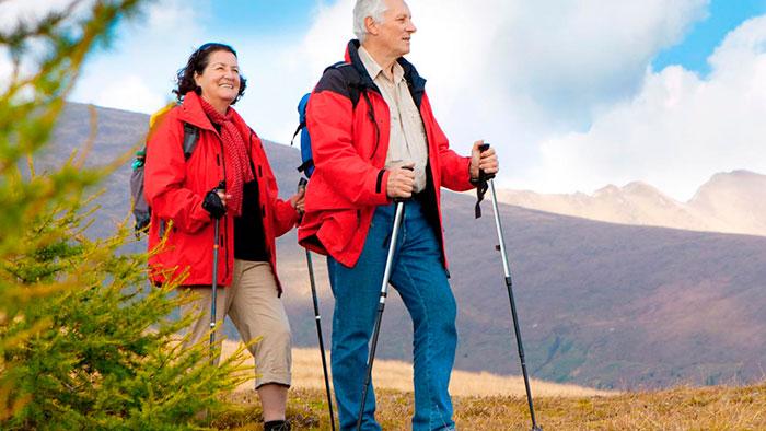 Скандинавская ходьба для лечения отечности ног