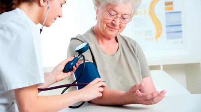Гипертония у пожилых людей - как бороться с недугом