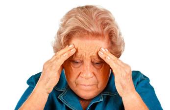 Головные боли у пожилых: причины и лечение
