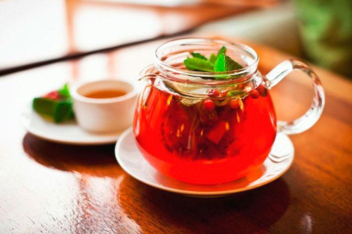 Клюквенный чай для снятия симптомов метеочувствительности