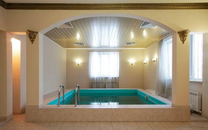Бассейн в пансионате для пожилых «Теплые беседы» Усадьба Вялки