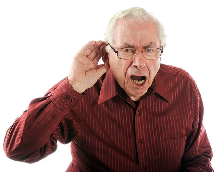 Слух в пожилом возрасте: причины ухудшения и лечение