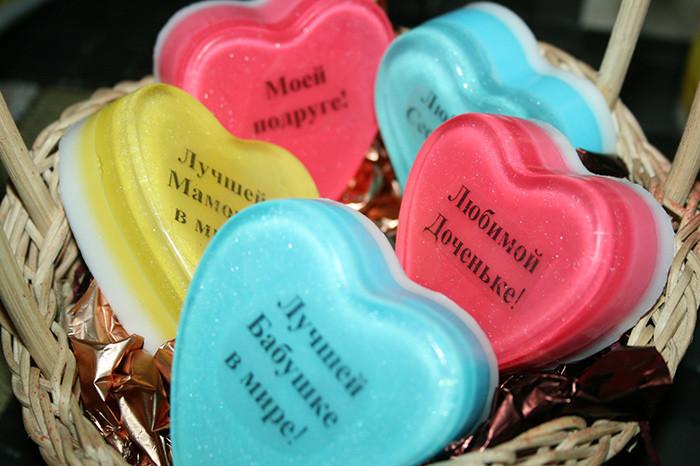 Что подарить бабушке на 8 марта: лучшие идеи для внуков и внучек