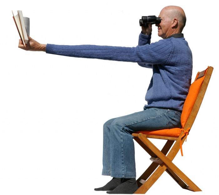 Возрастная дальнозоркость: не поздно ли исправить зрение?