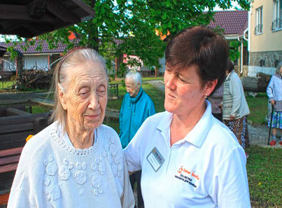 Реабилитация пожилых людей при переломе шейки бедра