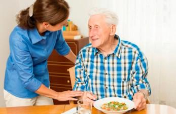 Как оформить опекунство над пожилым человеком: Россия, Украина и Белоруссия