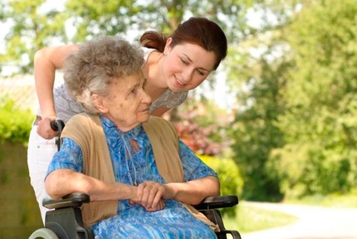 Патронаж позволяет оказывать помощь нуждающимся пожилым людям