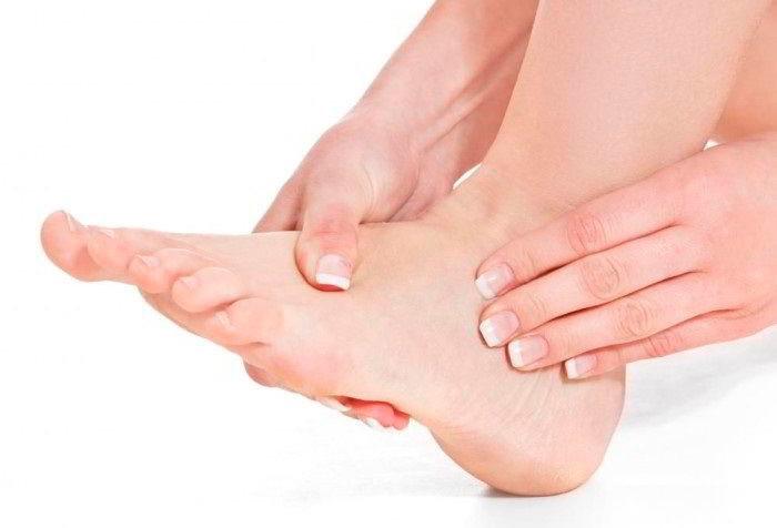 Мазь от отеков на ногах: выбираем лучшее средство для пожилых людей