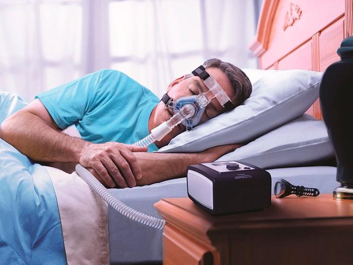 Лечение апноэ сна с помощью специального аппарата