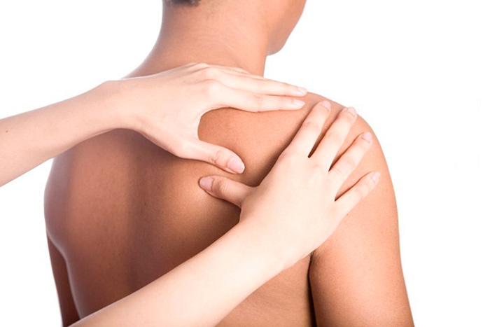 Массаж для уменьшения боли при субакромиальном бурсите плеча