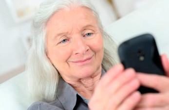 Телефон для пожилых с большими кнопками и экраном в 2018 году: рейтинг лучших бабушкофонов