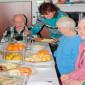 Обед в пансионате для пожилых «Долголетие» в Мытищах