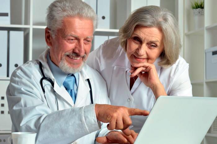 Медики в процессе оформления льготной пенсии