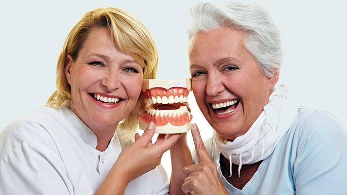 Положено ли инвалидам третий группы скидка на протезирование зубов