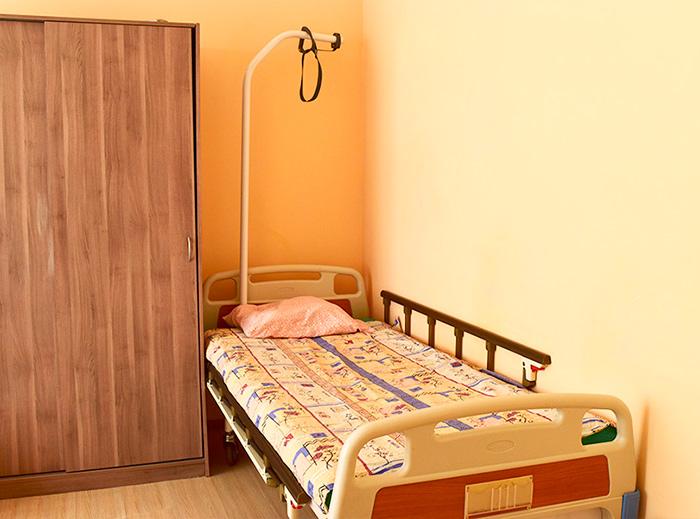 Номер в пансионате для пожилых «Долголетие» в Видном