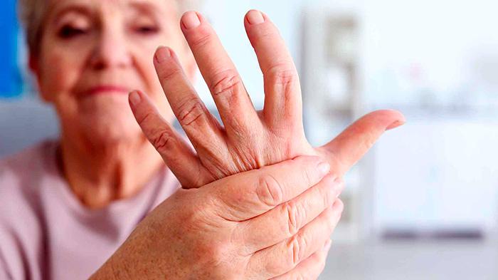 Болевые ощущения при ганглионе на пальце руки