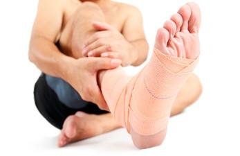 Гигрома стопы: причины возникновения и лечение народными средствами