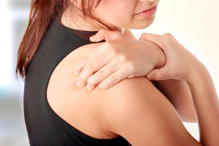 Сильные болевые ощущения при тендините плечевого сустава
